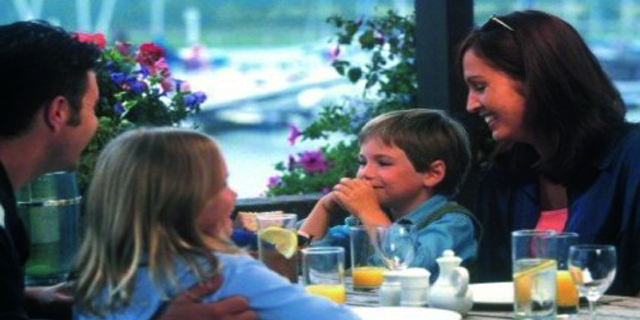 Comer con niños fuera: ¿placer o pesadilla?