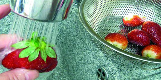 ¿Qué alimentos debemos lavar, y cuáles no, antes de comerlos?