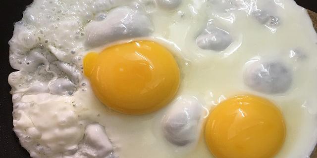 Los huevos y la leche se introducirán gradualmente en la alimentación de niños alérgicos