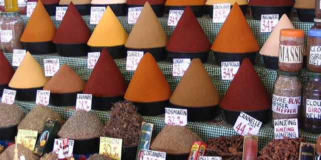 Religión y comida: costumbres que alimentan