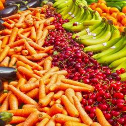 ¿Por qué es importante comer frutas y verduras según la OMS?