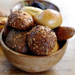 Pan integral y pan blanco: las diferencias nutricionales entre ambos