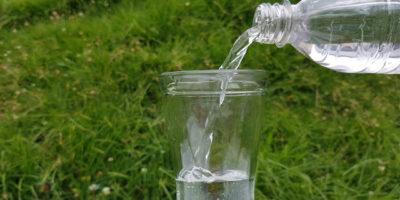 agua grifo y agua embotellada