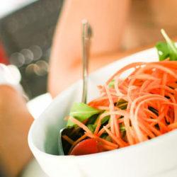 Por que comer sempre á mesma hora axuda a non engordar